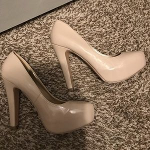 G by Guess nude patent platform heels